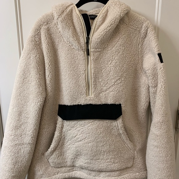 ef9961dd5 The North Face Tops | Womens Campshire Pullover Hoodie | Poshmark
